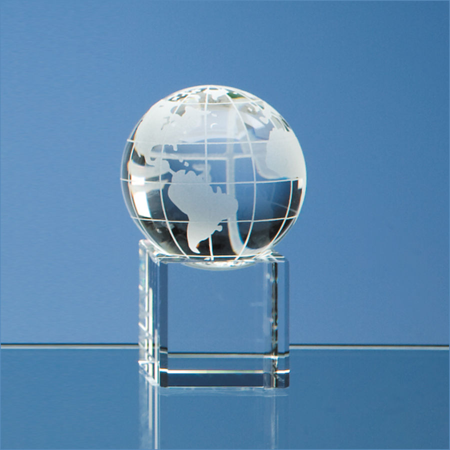 10296: 5cm Optical Crystal Globe On Clear Base
