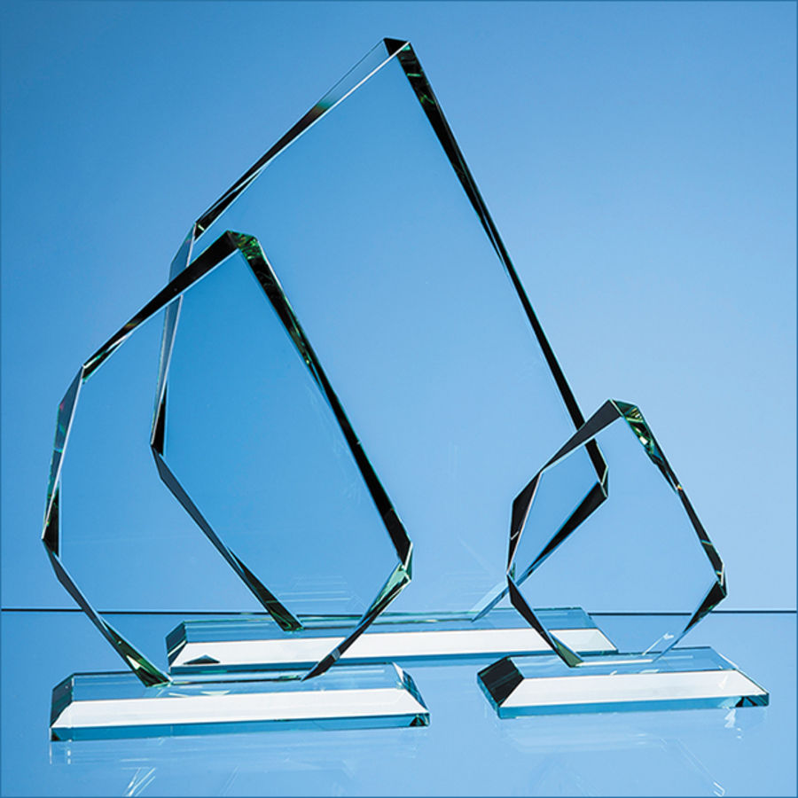 10309: 28cm X 15mm Jade Glass Facetted Ice Peak Award